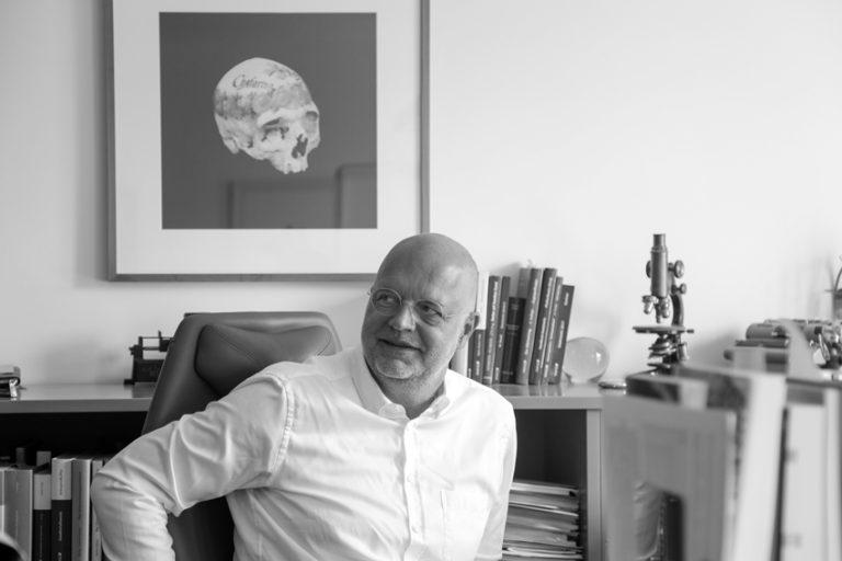 Notar Dr. Wolfgang Schuster